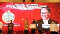 Kementerian Luar Negeri Indonesia dan Menlu RI Retno Marsudi meraih penghargaan dari KemenPAN RB. (Foto: Kemlu RI)