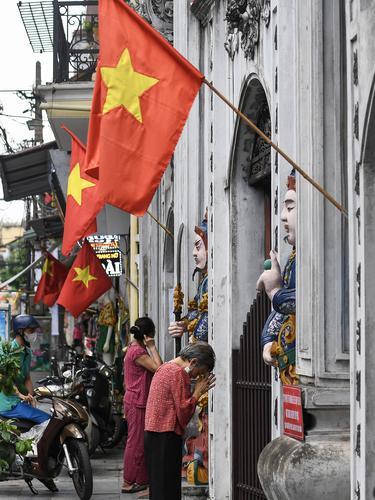 Suasana Perayaan Waisak di Beberapa Negara