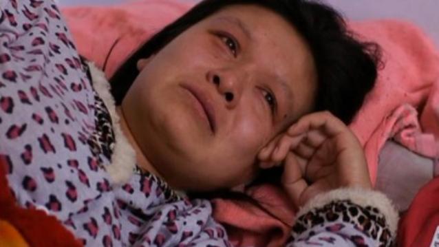 Xinwen terisak mengutarakan perasaannya (c) dailymail.co.uk