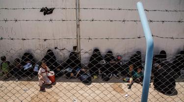 800 Perempuan dan Anak-Anak Keluarga Militan ISIS Dibebaskan