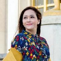Terlihat stunning dengan daily look Parisian chic yang colorful. (Sumber foto: maiaestiantyreal/instagram)