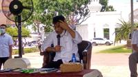 Wali Kota Batam Muhammad Rudi saat rapat bersama Forkopimda di Aula Dataran Engku Putri, Rabu (21/7/2021). (Liputan6.com/ Ajang Nurdin)