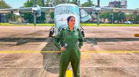 Letnan muda India, Shivangi menjadi pilot wanit pertama dalam kelompok angkatan bersenjata.(Source: AP)