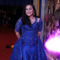 """Saya juga akan mengeluarkan (Juwita) dari kartu keluarga (KK). Iya (setop materi), makanya dia harus dikeluarkan dari KK saya,"" tegas Anisa Bahar. (Deki Prayoga/Bintang.com)"