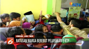 Kepala Disdukcapil Kabupaten Jombang mengaku sudah meminta bantuan Satpol PP untuk mengatur antrean warga.