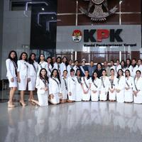 Inilah salah satu kegiatan yang dilakukan oleh 39 finalis Puteri Indonesia. (Foto: Bintang.com/Daniel Kampua)