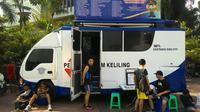 Padahal sudah ada 2 truk pelayanan SIM online di depan Hotel Pullman dan Mandarin, Jakarta yang siap melayani masyarakat.