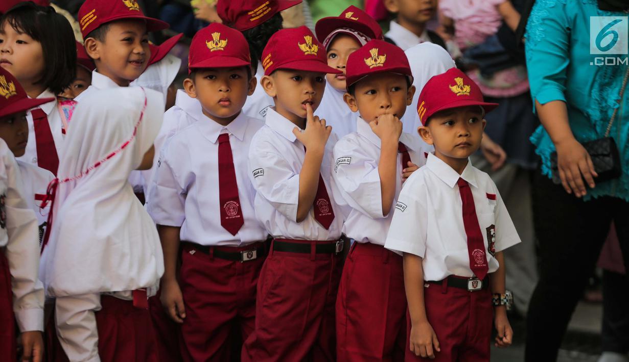 FOTO Semangat Siswa SD Di Hari Pertama Masuk Sekolah News