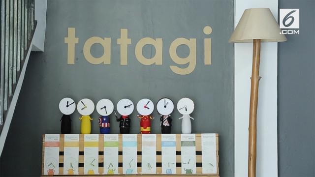 Mendaur ulang sampah ternyata bisa mendatangkan uang. Contohnya Tatagi, jam daur ulang yang ramah lingkungan ini ramai diminati konsumen.