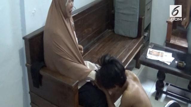 Seorang pemuda menjadi tersangka pelaku penjambretan di Pekalongan, Jawa Tengah.