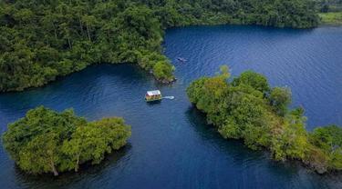 Danau Matano, danau terdalam ke-10 di Dunia (Istimewa)