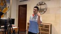 Menengok Kantor Baim Wong, Ada Paludarium, Lapangan Basket dan Studio. foto: Youtube 'Baim Paula'
