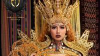 Rancangan desainer Eggie Jasmin keluar sebagai lima teratas kostum nasional dalam ajang Miss Interglobal Indonesia 2020. (dok. Eggie Jasmin)