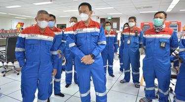 Komisaris Utama Pertamina Basuki Tjahaja Purnama (Ahok) dan Komisaris, Condro Kirono tinjau Kilang Minyak Balongan.