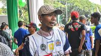 Dirijen Aremania, Yuli Sumpil, mengaku tak bisa memprediksi berapa puluh ribu Aremania yang akan membanjiri SUGBK di laga final Torabika Bhayangkara Cup kontra Persib. (Bola.com/Iwan Setiawan)