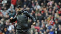 Jurgen Klopp - Pelatih Liverpool ini merupakan nama yang paling kuat untuk menggantikan posisi Low di Timnas Jerman. Koleksi trofi dan pengalaman yang matang membuatnya sangat layak menangani tim sebesar Der Panzer. (AP/Rui Vieira)