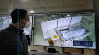 Gubernur DKI Anies Baswedan memperlihatkan gambar jenazah pasien Covid-19 di rumah sakit. (Sumber: Instagram Anies Baswedan)