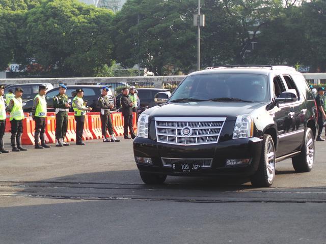 Cadillac Escalade Ikut Jadi Mobil Favorit Di Pelantikan Jokowi Otomotif Liputan6 Com