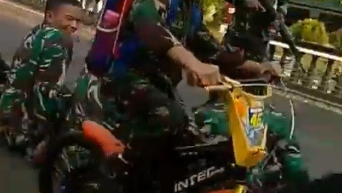 bocah di markas TNI (foto: instagram/@zona_militer_)