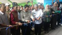 Direktur Jenderal Prasarana dan Sarana Pertanian (PSP) Kementerian Pertanian Sarwo Edhy saat meresmikan Warehouse UPJA Widhatama, Jumat (18/10).