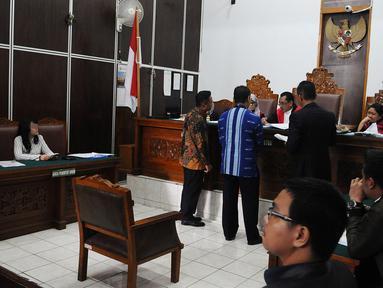 Suasana sidang perdana terkait kasus dugaan pelecehan seksual yang menimpa RA, pegawai kontrak Dewan Pengawas BPJS Ketenagakerjaan  di Pengadilan Negeri Jakarta Selatan, Rabu (6/3/2019). (Liputan6.com/Herman Zakharia)
