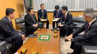 Menteri BUMN Erick Thohir melakukan pertemuan dengan Yasutoshi Nishimura, Menteri Negara Urusan Ekonomi dan Fiskal Jepang untuk membahas peningkatan kerjasama perdagangan dan investasi.