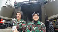 Ini dia, Serda Melysa dan Serda Lutfiah, Sopir Panser Anoa Jokowi (Liputan6.com/Muhammad Radityo Priyasmoro)