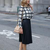 Outfit ternyaman untuk ke kantor. (via: purewow.com)