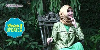 Menjalani kewajiban sebagai seorang muslimah, Anisa Rahma benar-benar meyakinkan diri untuk menggunakan hijab.