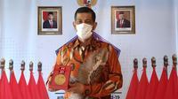 Tepat di Hari Pers Nasional (HPN) 2021, Ketua Satuan Tugas Penanganan COVID-19 di Indonesia, Doni Monardo, menerima medali emas dari Dewan Pers yang dinilai berjasa dalam membangun kerjasama dengan pers selama pandemi Virus Corona (Foto: Dokumen BNPB)
