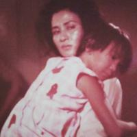 Ade Irawan saat memerankan Ibu Nasution dalam film Pengkhianatan G30S PKI. (Instagram @dewiirawan13)