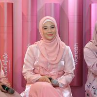 Natasha Rizki, Wardah di kawasan Kemang, Jakarta Selatan, Rabu (25/9/2019). (Daniel Kampua/Fimela.com)