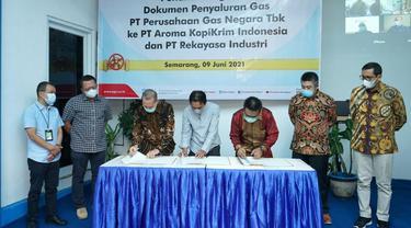 Penandatanganan Dokumen Penyaluran Gas antara PGN dengan PT Aroma Kopikrim Indonesia. (Dok PGN)