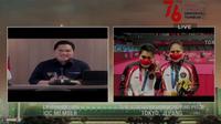 Erick Thohir berbincang dengan Greysia Polii dan Apriyani Rahayu usai menerima medali emas Olimpiade di Indosiar.