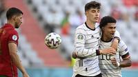 Memasuki babak kedua, Jerman berhasil menjauhkan keunggulan ketika Kai Havertz berhasil mengkonversi umpan Robin Gosens pada menit ke-51. Skor berubah menjadi 3-1 dengan keunggulan Jerman. (Foto: AP/Pool/Philipp Guelland)