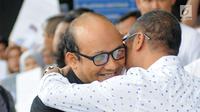 Penyidik senior Komisi Pemberantasan Korupsi (KPK), Novel Baswedan saat tiba di gedung KPK, Jakarta, Kamis (22/2). Novel Baswedan tiba di gedung KPK usai menjalani operasi tambahan di Singapura. (Liputan6.com/Herman Zakharia)
