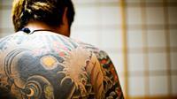 Tato khas anggota yakuza ilustrasi. Source: danielhuscroft.com