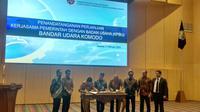 Kemenhub dan konsorsium Cardig Aero Service menandatangani MoU perjanjian Kerjasama Pemerintah dan Badan Usaha Bandar Udara Komodo, Labuan Bajo, Nusa Tenggara Timur (NTT). Liputan6.com/Maulandy