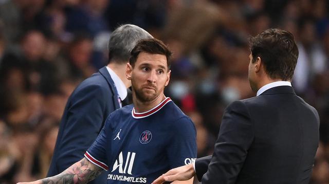 Ekspresi Lionel Messi saat ditarik keluar Mauricio Pochettino di pertandingan PSG melawan Lyon di Ligue 1 (AFP)