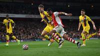 Arsenal harus puas bermain imbang 2-2 kontra Crystal Palace pada laga pekan kedelapan Premier League di Stadion Emirates, Selasa (19/10/2021) dini hari WIB. (AFP/Glyn Kirk)