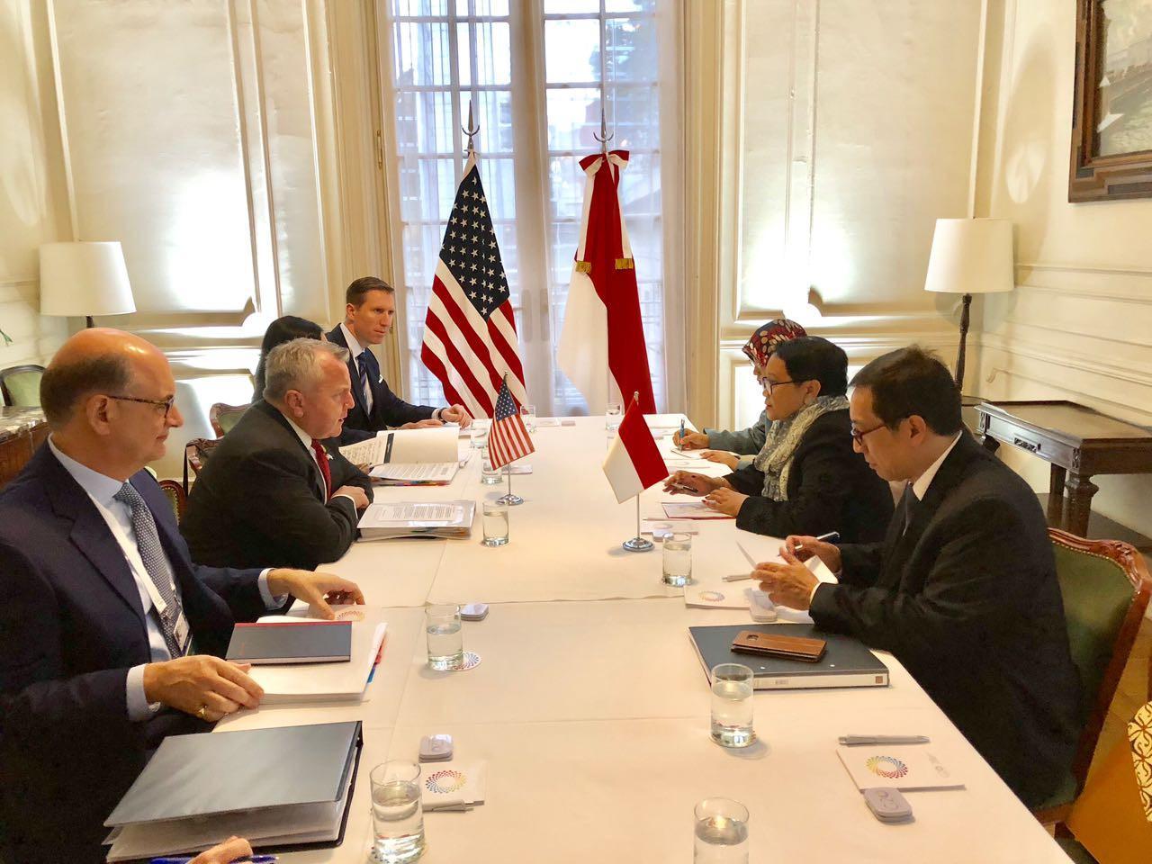 Pertemuan bilateral antara Menteri Luar Negeri RI Retno Marsudi dan Wakil Menteri Luar Negeri AS John J Sullivan di sela-sela forum antar menlu negara G20 di Buenos Aires (20/5) (Kemenlu RI)