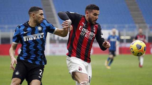 FOTO: Inter Milan Menjauh Usai Kalahkan AC Milan 3-0 - Theo Hernandez; Achraf Hakimi