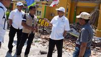 Menteri Pariwisata Arief Yahya bersama jajarannya meninjau destinasi Lombok pasca-gempa bumi yang melanda kawasan wisata tersebut. (Liputan6.com/pool/KementerianPariwisata)