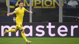 Keunggulan Inter Milan di babak pertama akhirnya disamakan oleh Sheriff Tiraspol pada menit ke-52. Eksekusi tendangan bebas yang dilakukan Sebastien Thill sukses menjebol gawang Samir Handanovic. (AFP/Marco Bertorello)