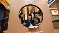 Warna Spiced Honey diperkenalkan sebagai Color of the Year untuk tahun 2019 oleh Dulux