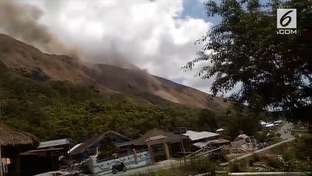 Gempa 7 SR yang mengguncang Lombok menyebabkan kepanikan dan sejumlah jalanan di dalam kota rusak.
