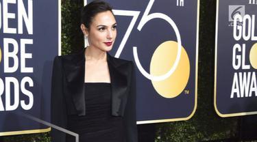 Sejumlah aktris hadir di Golden Globes 2018 dengan memamerkan berbagai tampilan gaun masing-masing.