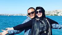 """Pak Sutisna datang ke Ibu Lina pada tanggal 15 Mei 2018 sebelum Ramadan, beliau hadir malam-malam untuk membicarakan hal ini,"" kata Abdurrahman dihubungi melalui sambungan telepon dilansir dari Kapanlagi.com. (Instagram/ferdinan_sule)"