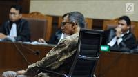 Terdakwa dugaan suap proyek satelit monitoring Bakamla, Nofel Hasan mengikuti sidang pembacaan tuntutan di Pengadilan Tipikor, Jakarta, Rabu (21/2). Nofel dituntut lima tahun penjara dan denda Rp 200 juta. (Liputan6.com/Helmi Fithriansyah)