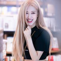 YG Entertainment rilis teaser 'pemanasan' debut solo Rose BLACKPINK. (blackpinkupdate)